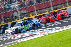 Casey Mears, Germain Racing Chevrolet et Justin Allgaier, HScott Motorsports Chevrolet