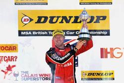Gordon Shedden, Honda Yuasa Racing Honda Civic Type R viert titel BTCC 2015
