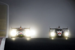 #17 Porsche Team Porsche 919 Hybrid: Timo Bernhard, Mark Webber, Brendon Hartley; #1 Toyota Racing T