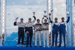 Il podio: I vincitori Kajetan Kajetanowicz e Jarek Baran, al secondo posto Craig Breen e Martin Scot
