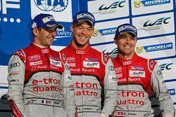 Podium : les troisièmes, Benoît Tréluyer, André Lotterer, Marcel Fässler, Audi Sport Team Joest