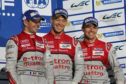 Podio: tercer lugar Benoît Tréluyer, André Lotterer, Marcel Fässler, Audi Sport Team Joest