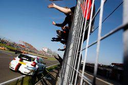 Il vincitore di Gara 1 Mat Jackson, Motorbase Performance Ford Focus