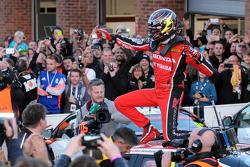 2015 Champion Gordon Shedden celebrates