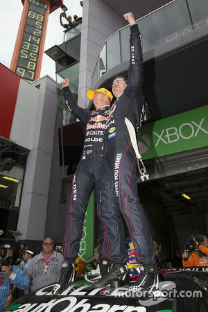 I vincitori Craig Lowndes and Steven Richards, Triple Eight Race Engineering Holden