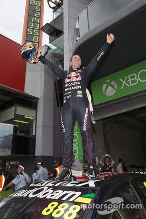 Il vincitore Craig Lowndes, Triple Eight Race Engineering Holden