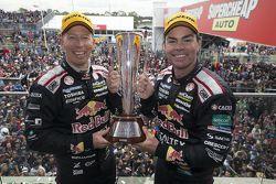 克里格·朗兹和斯蒂文·理查兹夺得2015年巴瑟斯特1000大赛冠军,888车队