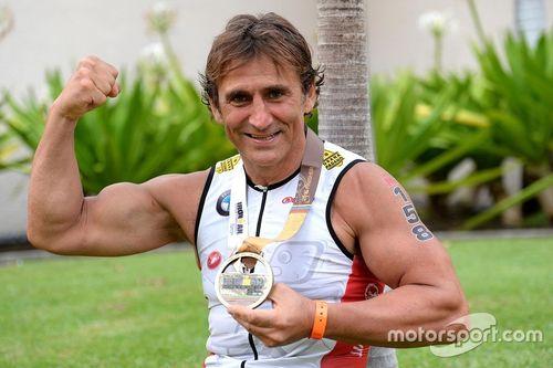 Alex Zanardi finishes the Hawaii Ironman