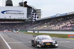 Timo Scheider, Audi Sport Team Phoenix, Audi RS 5 DTM, siegt in Hockenheim