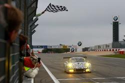#911 Porsche Team Porsche 911 GT3 R: Nick Tandy, Frédéric Makowiecki se lleva el tercer lugar