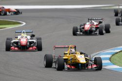 Antonio Giovinazzi, Jagonya Ayam with Carlin Dallara Volkswagen and Jake Dennis, Prema Powerteam Dal