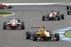 Antonio Giovinazzi, Jagonya Ayam with Carlin Dallara Volkswagen and Jake Dennis, Prema Powerteam Dal