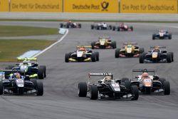 Шарль Леклер, Van Amersfoort Racing Dallara Volkswagen, Джордж Расселл, Carlin Dallara Volkswagen и