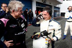 Jacques Nicolet im Gespräch mit Pierre Fillon, ACO-Präsident, nach dem Test mit dem neuen Ligier JS