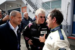 Yannick Dalmas and Jacques Nicolet speak with Pierre Fillon, president of the ACO, after testing the