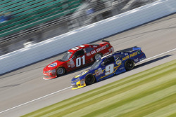Landon Cassill, JD Motorsports Chevrolet and Chase Elliott, JR Motorsports Chevrolet