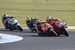 Marc Marquez, Repsol Honda Team dépasse Andrea Iannone, Ducati Team