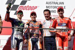 Podium : le deuxième, Jorge Lorenzo, Yamaha Factory Racing, le vainqueur Marc Marquez, Repsol Honda Team et le troisième, Andrea Iannone, Ducati Team