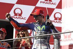 Jorge Lorenzo, Yamaha Factory Racing fête sa deuxième place sur le podium