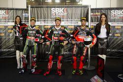 Qualifying: second place Jonathan Rea, Kawasaki, polesitter Tom Sykes, Kawasaki, third place, Javier Fores, Ducati Team