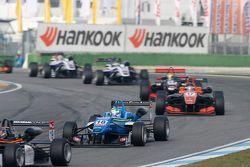 Nicolas Pohler, Double R Racing Dallara Mercedes-Benz et Julio Moreno, ThreeBond with T-Sport Dallara NBE