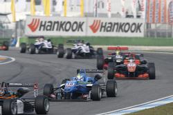 Nicolas Pohler, Double R Racing Dallara Mercedes-Benz and Julio Moreno, ThreeBond with T-Sport Dalla