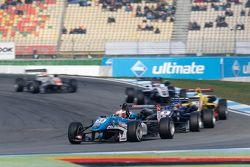 Raoul Hyman, Takımı West-Tec F3 Dallara Mercedes-Benz ve Tatiana Calderon, Carlin Dallara Volkswagen