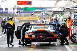 #86 Gulf Racing UK Porsche 911 RSR: Michael Wainwright, Adam Carroll, Phil Keen
