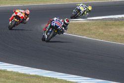 Jorge Lorenzo, Yamaha Factory Racing, pasa a Marc Márquez, Repsol Honda Team y a Valentino Rossi, Ya