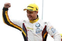Подиум GTC: победитеь Энди Приоль, BMW Team Marc VDS