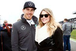 Robert Wickens, HWA AG Mercedes-AMG C63 DTM avec Karli Woods