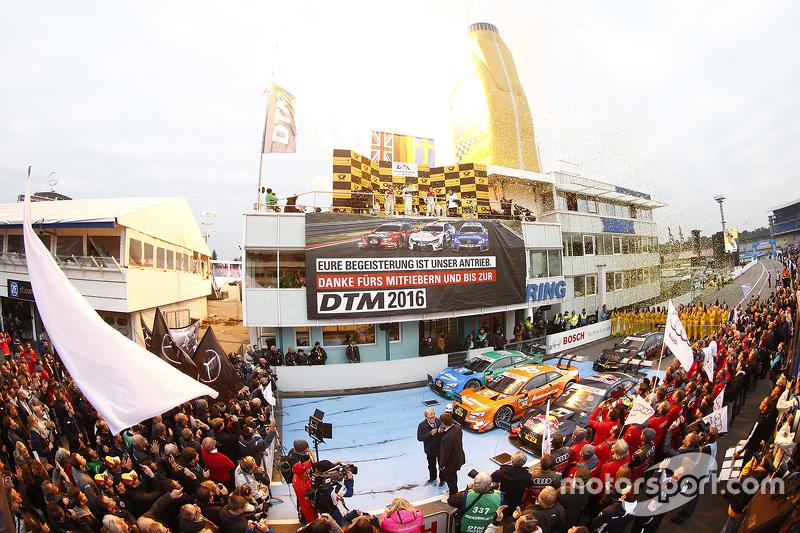 Podium der Gesamtwertung mit Champion Pascal Wehrlein