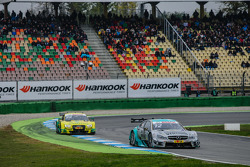 Daniel Juncadella, Mücke Motorsport Mercedes-AMG C63 DTM and Mike Rockenfeller, Audi Sport Team Phoenix Audi RS 5 DTM