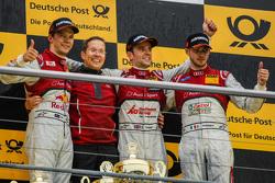 Podium de la course 2 : le deuxième, Mattias Ekström, Audi Sport Team Abt Sportsline, le vainqueur Jamie Green, Audi Sport Team Rosberg et le troisième, Edoardo Mortara, Audi Sport Team Abt