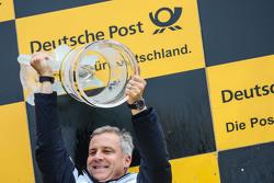 Podium du championnat : Jens Marquardt, Directeur de la compétition de BMW, champion des constructeurs