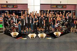 L'Aprilia Racing Team fête ses victoires à Losail