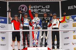 Podium: winner Ben Barnicoat, second place Anthoine Hubert, third place Ignazio D'Agosto