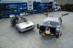 Back to the Future DeLorean con Prodrive Racing demostración