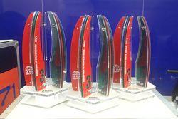 Призовые кубки пилотов SMP Racing за третье место
