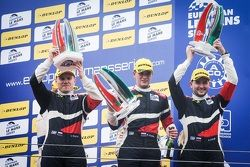Подиум: Виктор Шайтар, Михаил Алёшин, Кирилл Ладыгин, SMP Racing, третье место