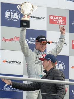 Race 3 winner Felix Rosenqvist, Prema Powerteam Dallara Mercedes-Benz and Max Verstappen