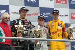 Race 3 Podium: second place Alexander Albon, Signature Dallara Volkswagen and winner Felix Rosenqvist, Prema Powerteam Dallara Mercedes-Benz and third place Antonio Giovinazzi, Jagonya Ayam with Carlin Dallara Volkswagen