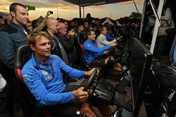 Andreas Mikkelsen, Volkswagen Motorsport juega con el simulador WRC