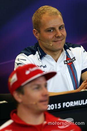 Valtteri Bottas, Williams ve Kimi Raikkonen, Ferrari FIA Basın Konferansında