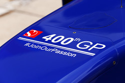 The Sauber C34 celebrates the 400th GP for the team