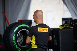 Pirelli tyre engineer