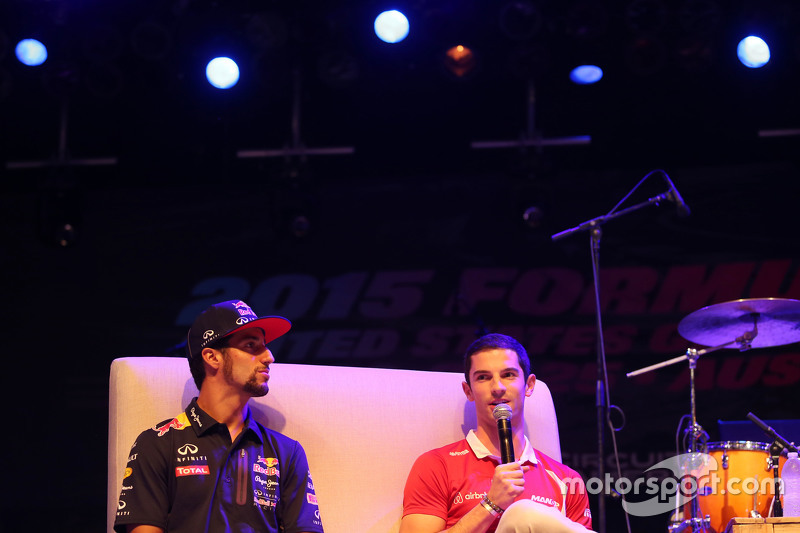 (L to R): Daniel Ricciardo, Red Bull Racing and Alexander Rossi, Manor Marussia F1 Team at the Fans'