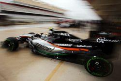 Sergio Perez, Sahara Force India F1 VJM08 leaves the pits