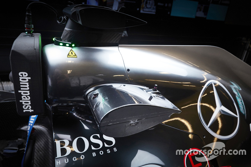 Wireless information gathering technology on the Mercedes AMG F1 W07