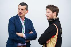 Guenther Steiner, Haas F1 Team Principal avec Romain Grosjean, Lotus F1 Team